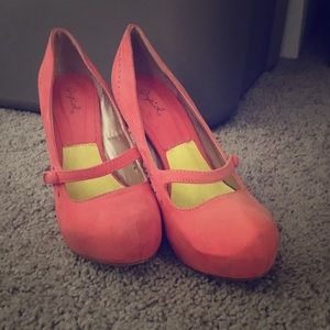 Qupid pink pumps